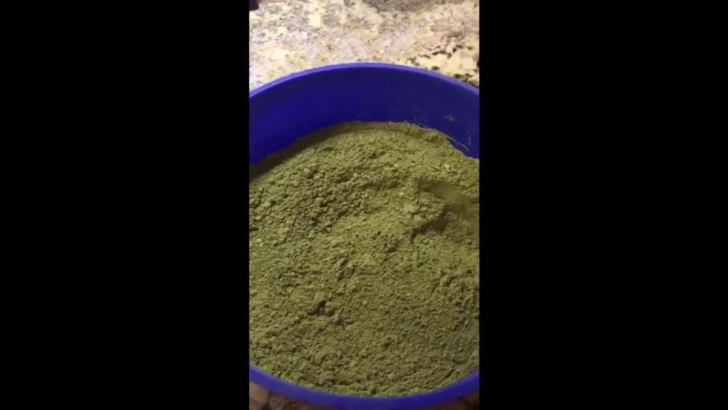 Kratom- how to make it without tasting it!!  Also, adding a second ingredient to prevent hair loss!